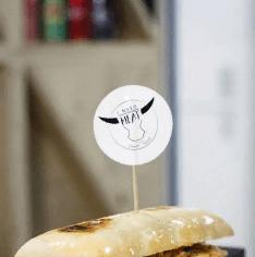 Сендвич с курицей и сыром Чеддер