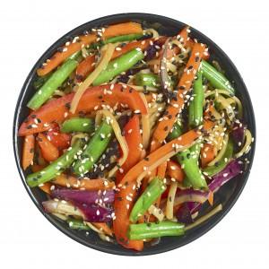 Удон с овощами в пикантном соусе